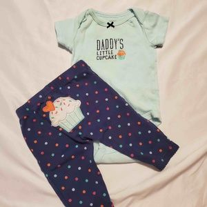 3 Outfits and 2 Onesies 0-3 Month Girls